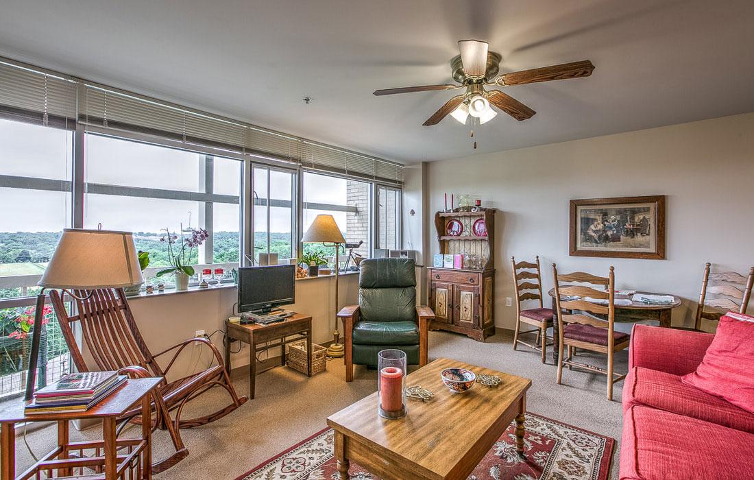 tax-credit apartment living room