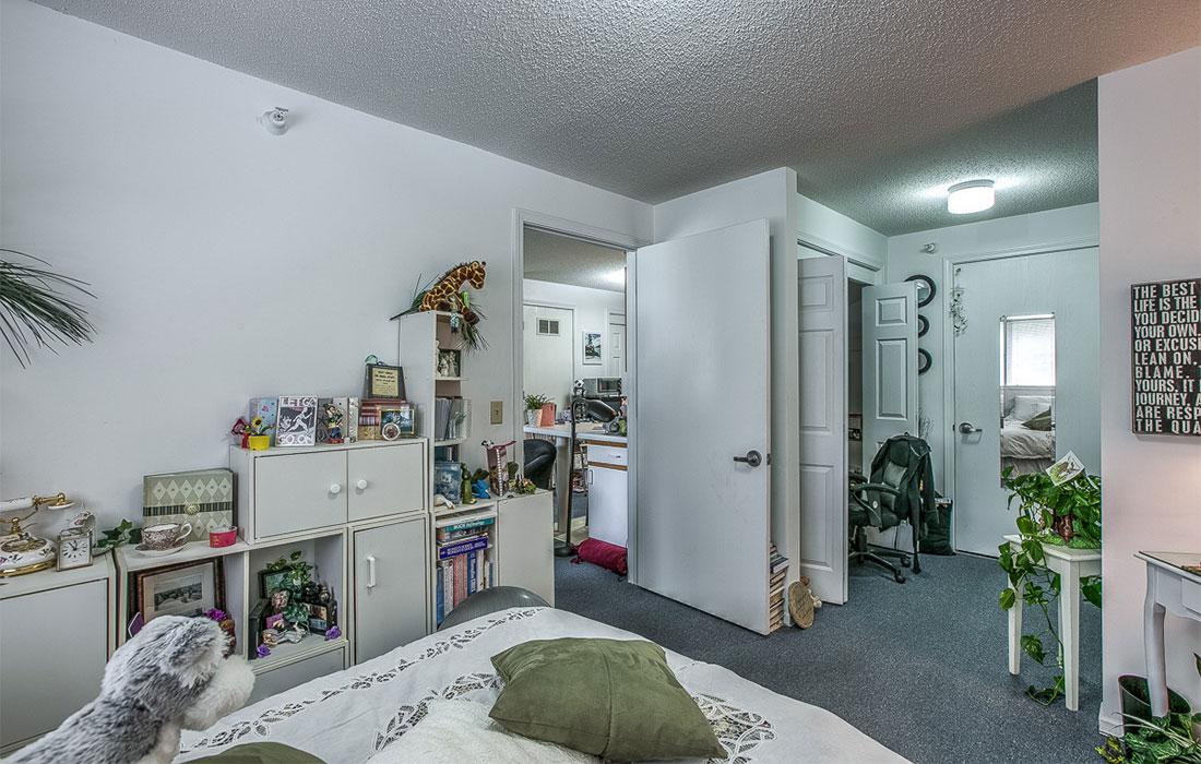 hud apartment bedroom